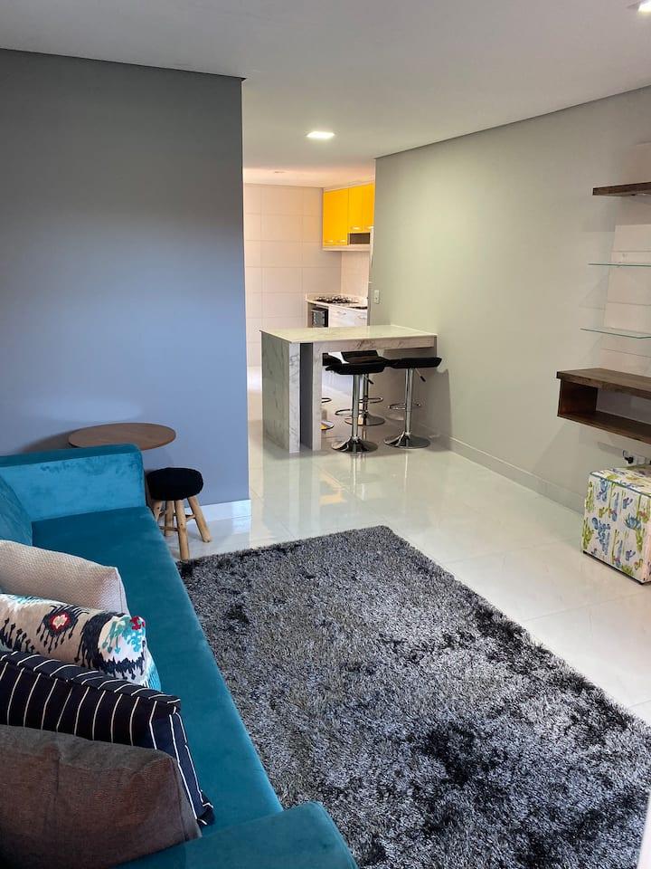 Lindo apartamento 2/4 com muito conforto.