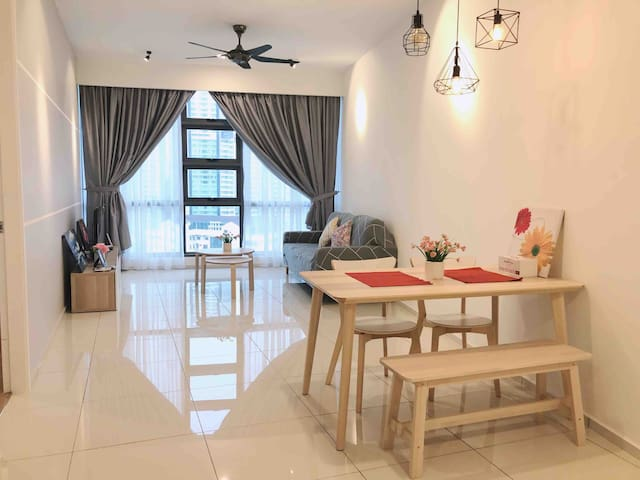 1BR Relaxing Suites with KLCC view//WIFI//Skyview