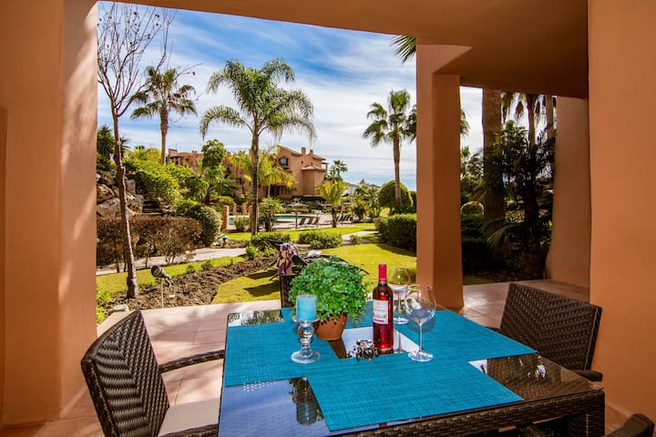 An exquisite, 2 bed, 2 bath apartment-SS402 - Estepona