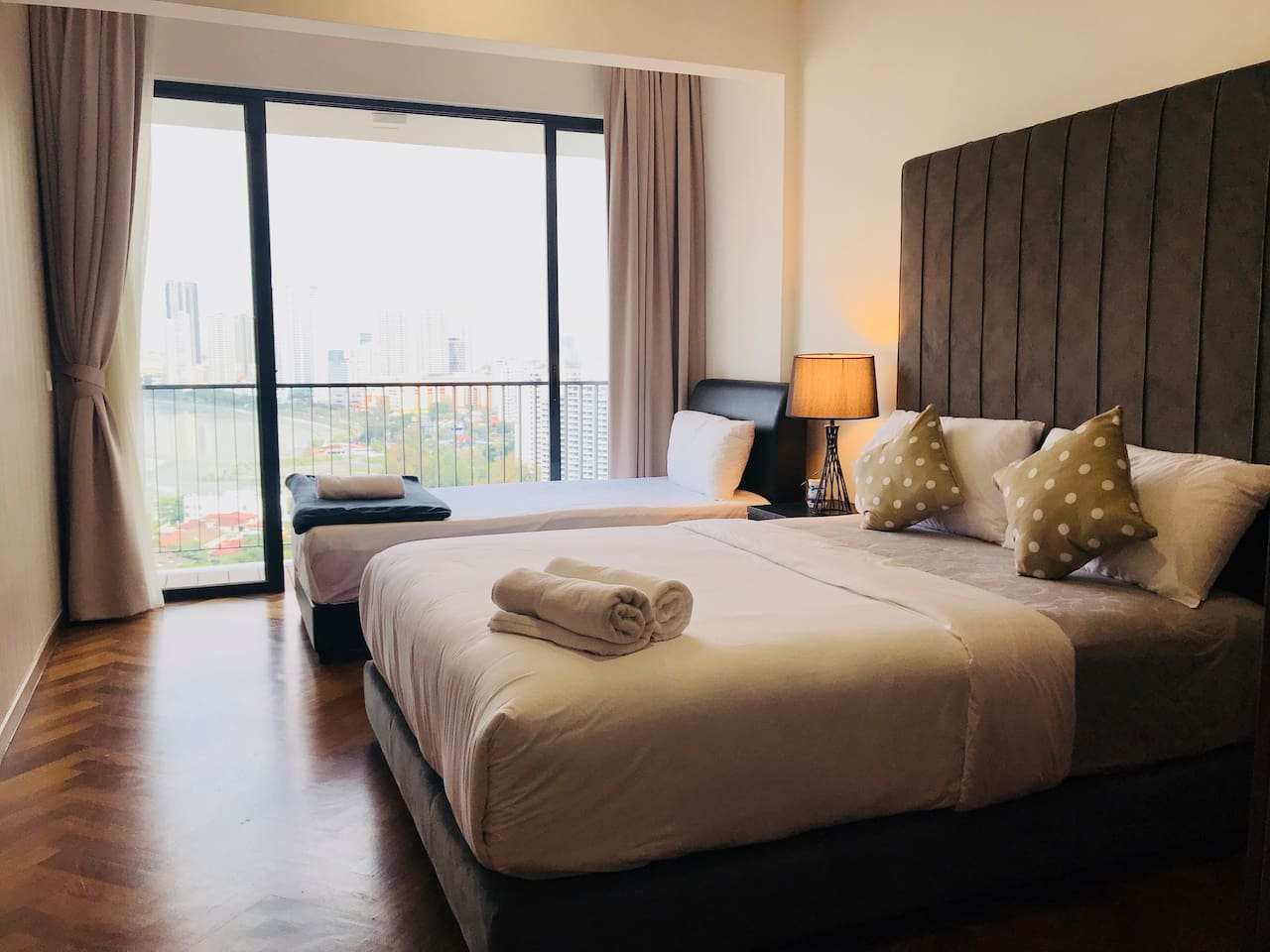 Master Bedroom with Seaview Balcony