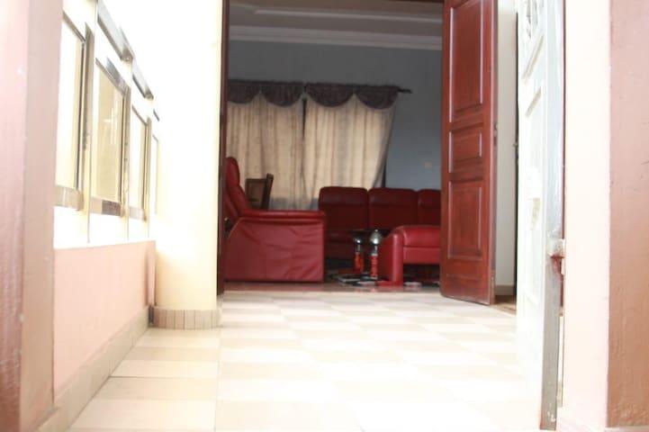 Appartement spacieux, lumineux ,aéré bien situé