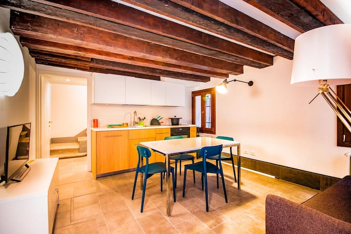 Private House on 3 levels in the centre of Venice