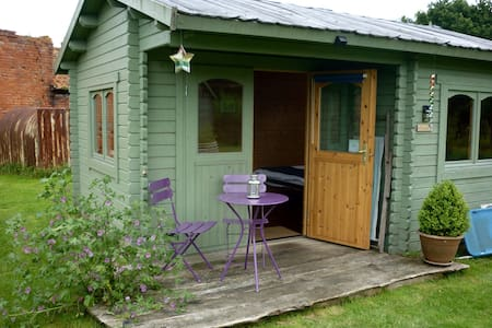 Charming Eco Hut, for self catering