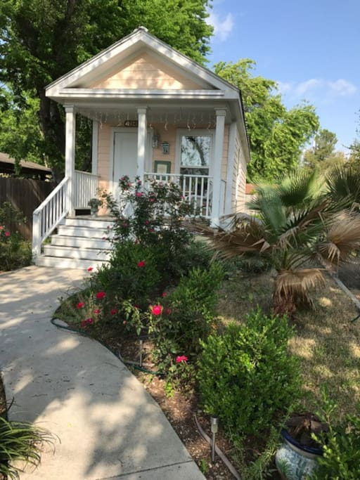Cozy Convenient New Orleans Cottage All Bills Apartments For Rent In Austin Texas United