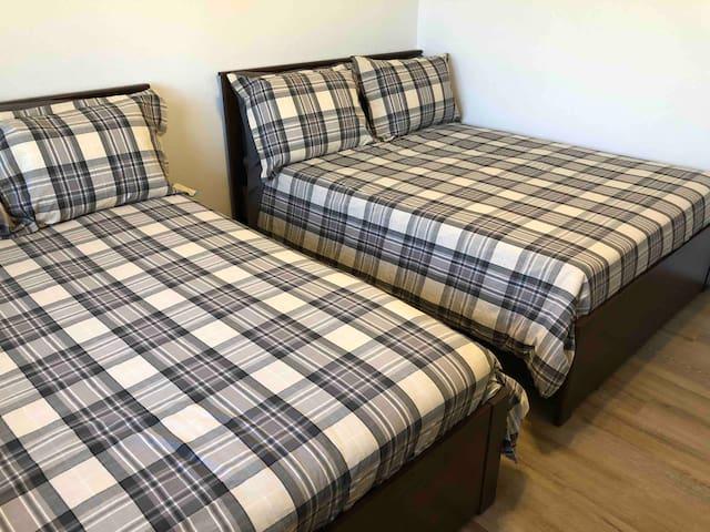Bedroom # 3 2- full/double beds. Can sleep 4.