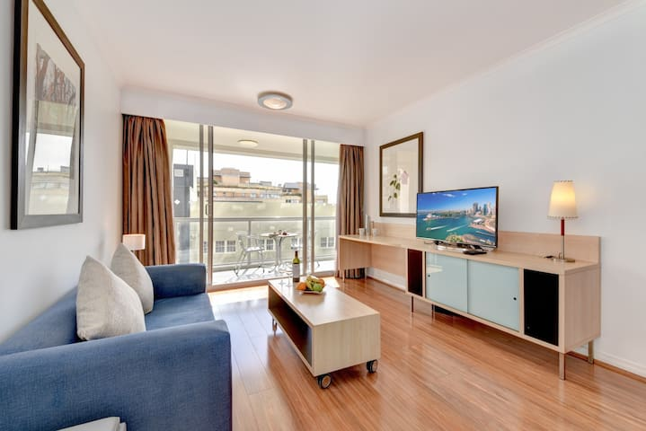 Luxury Apartment in Darling Harbour