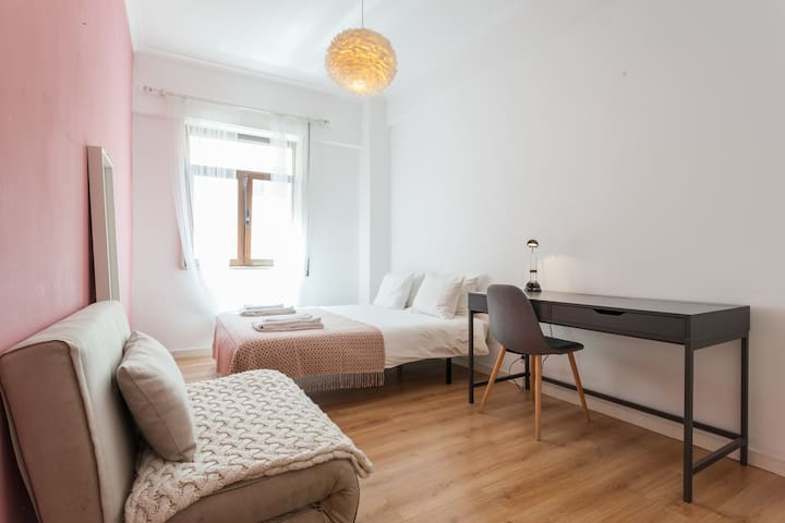 Double room PRIVATE BATHROOM in the CITY CENTRE