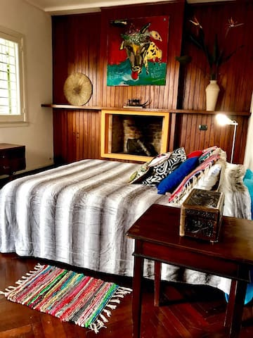 Large BedroomAttic/Luminoso/Kichinet/Balcón/Jardin