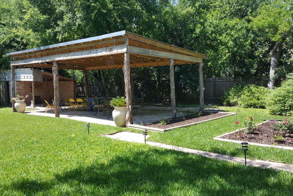Backyard Cabana & Garden