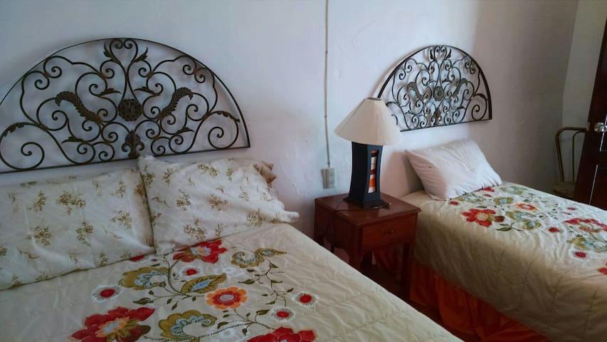 Hostal San Pedro - Cocula - Haus