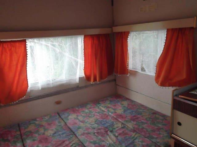 Nous mettons à votre disposition notre caravane - Gambais - Camper/RV
