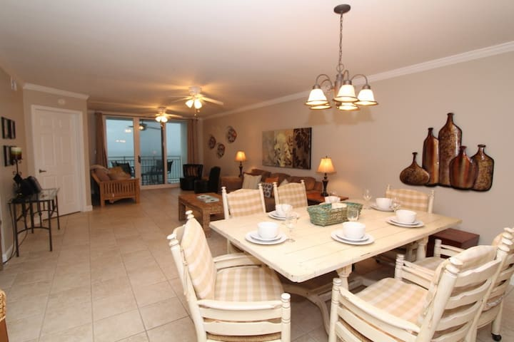 SeaSpray East 924- Gulf Front Views from Terrace with Luxurious Interior!