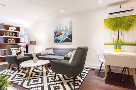 💯 Liv MTL | Soho ⑤+⑥ | COVID Discount 75% OFF | 2Combine Condo's + Private Patio + Ideal Big Family