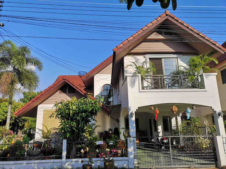 Lotus villa home stay in Chiangmai清邁蓮花別墅