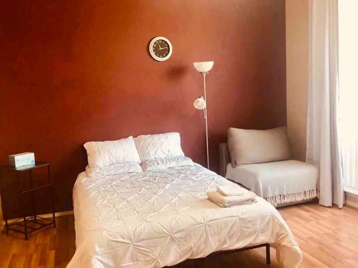 Cozy Master Bedroom in N Dallas, Great Location
