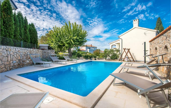 Beautiful home in Malinska with WiFi and 2 Bedrooms