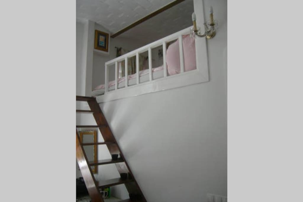 the bed lifted on mezzanine