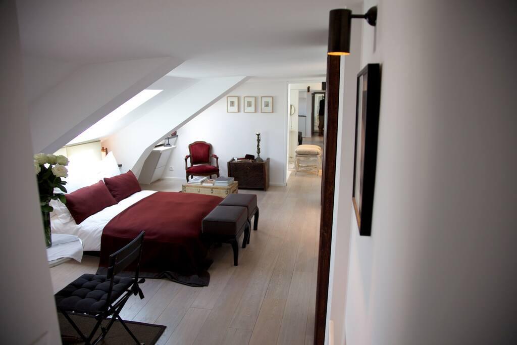 loft sous les toits de paris appartements louer paris le de france france. Black Bedroom Furniture Sets. Home Design Ideas