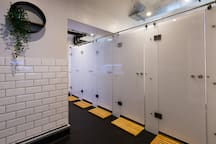 Pod in shared 10 bed dormitory - THE CoURT
