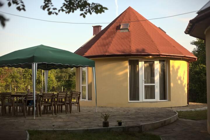 Tsar-Petrovo Houses (House 1)