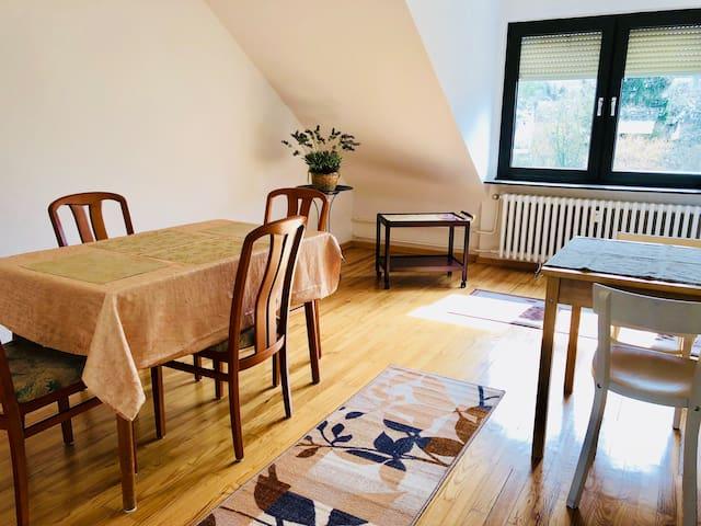 Gemütliche 85 m2 | zentral & ruhig | 5m TR 15m LUX