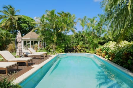 Private Luxury by Gibbs Beach