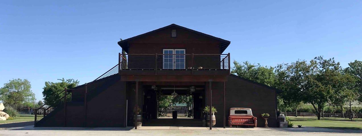 Beautiful Barn loft on Ranch