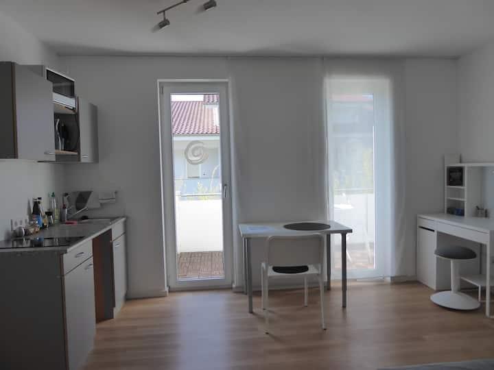 1-Zi.Apartment,möbliert,Kü,Bad, hell mit Südbalkon