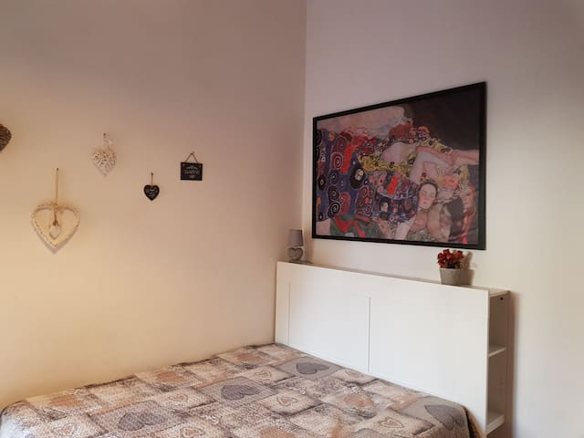 CASA BERTOLA THE LOW COST HOME IN ROME