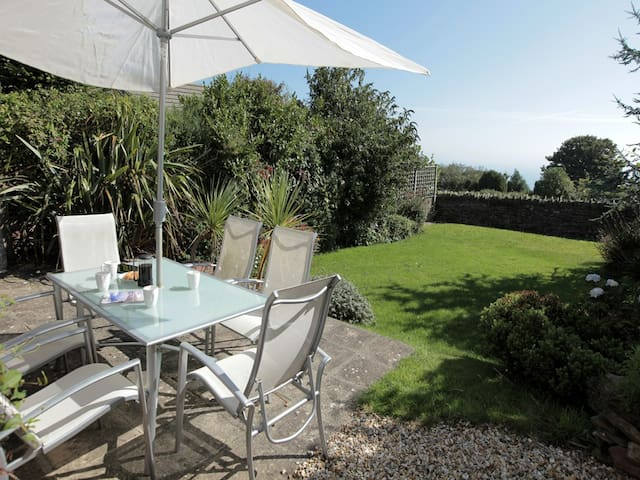Family Holiday Home in Coastal Village South Devon