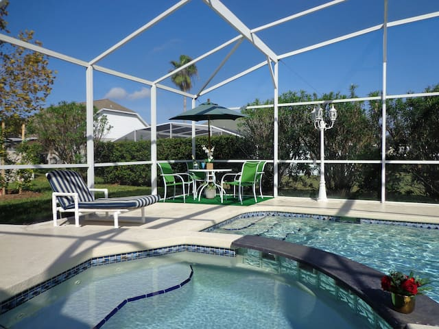 Luxury 4BR Villa private pool & spa - Davenport - Ház