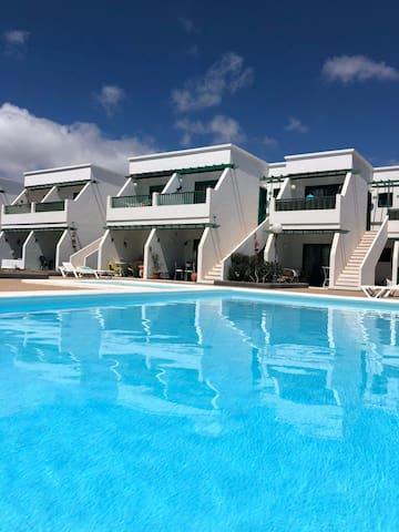 Espectacular apt con piscina & Wifi