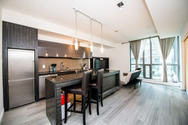 1BR + Sofabed - Ent. District & CN Tower