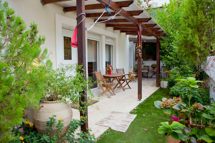 1AA37 Classy Home in Southeast Coastal Athens - Voula - House