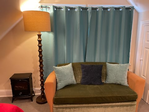 Private bedroom with wifi/ 15 min to EWR