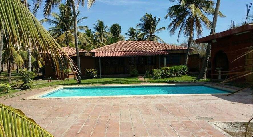 Hermoso Rancho de Playa zonaPrivada - Miravalle