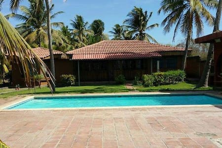 Hermoso Rancho de Playa zonaPrivada - Huis