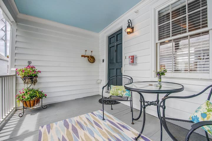 Contemporary Charm in Downtown Charleston (120-D)
