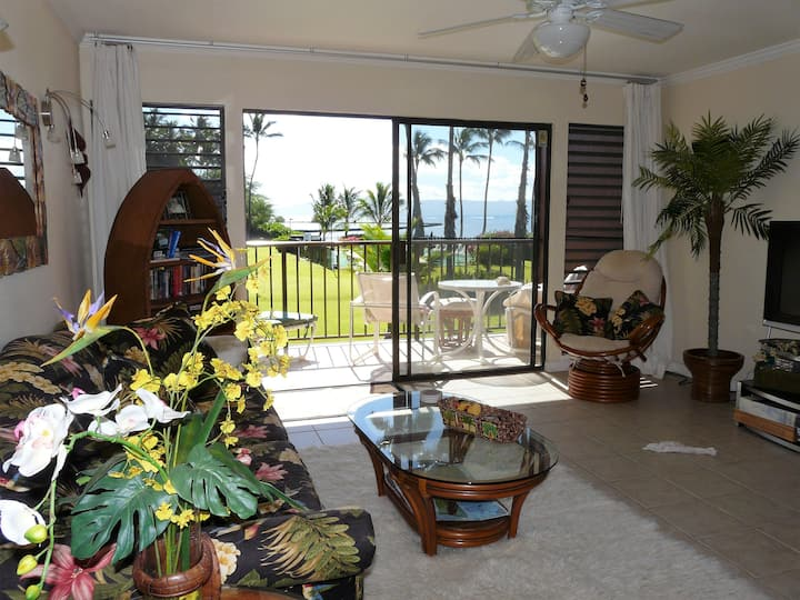 Oceanfront Condo - Centrally Located on Molokai