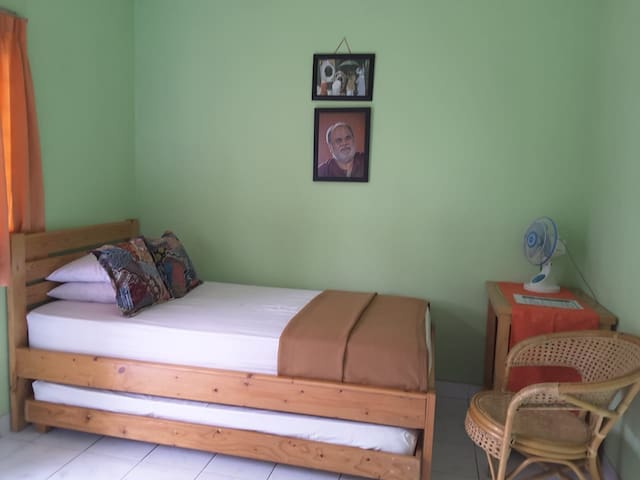 Cozy House for spiritual Travelers in Bogor