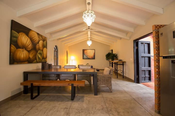 Stylish Mexican Chalet Luna / GDL by Hosted by Me
