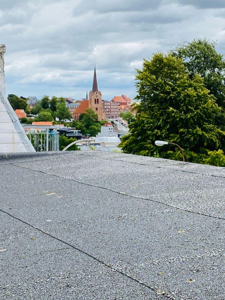 Kvistlejlighed i hjertet af centrum i Sønderborg