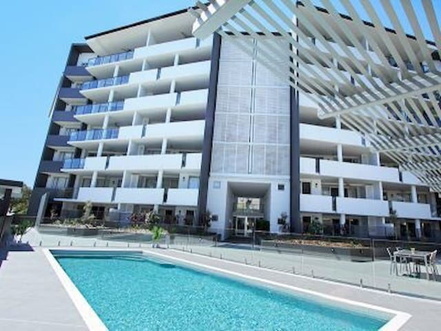 Luxe Private Room - Toowong