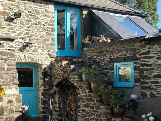 Longbow Barns Guest House 2