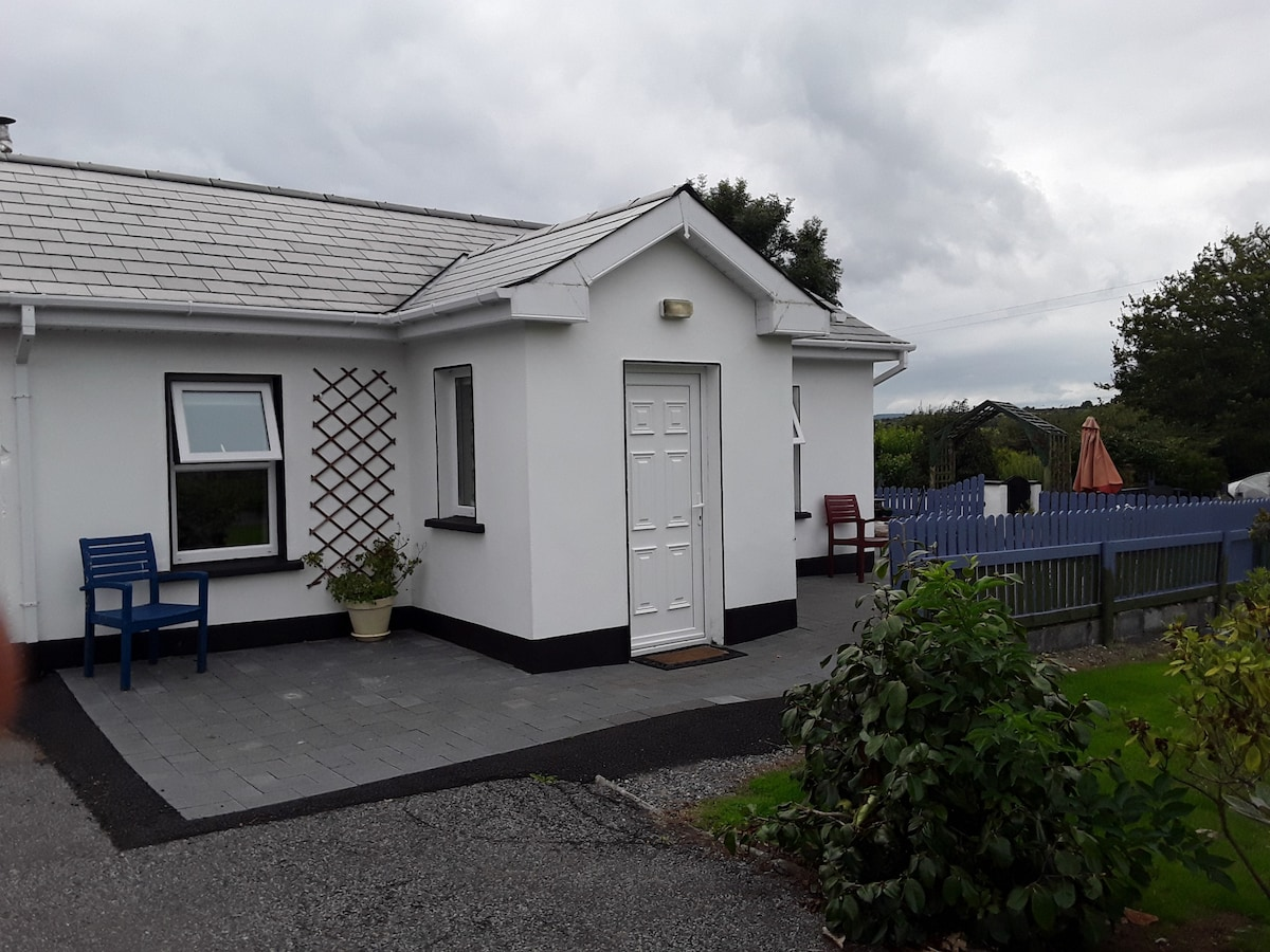 8 An Seanachai Holiday Homes - Hogans Irish Cottages