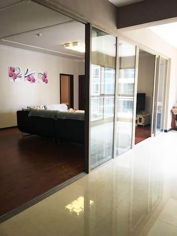 130平3室一厅套房【近花果园湿地公园、购物中心、国际中心】 - 贵阳市 - Apartamento