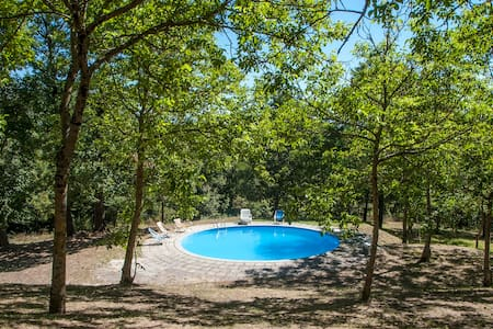 Delightful casale in hillside estate, 1 hr to Rome - Leilighet