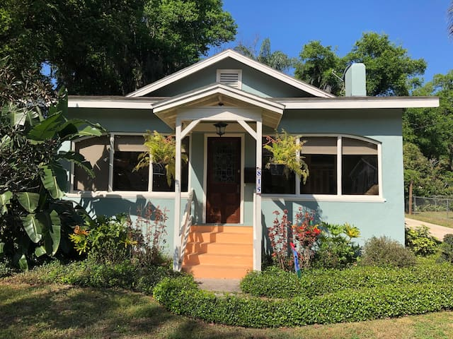Historic 1925 Bungalow