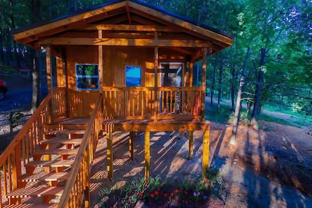 Foxtail Orchards Cabins and Campground - Tazewell - Zomerhuis/Cottage