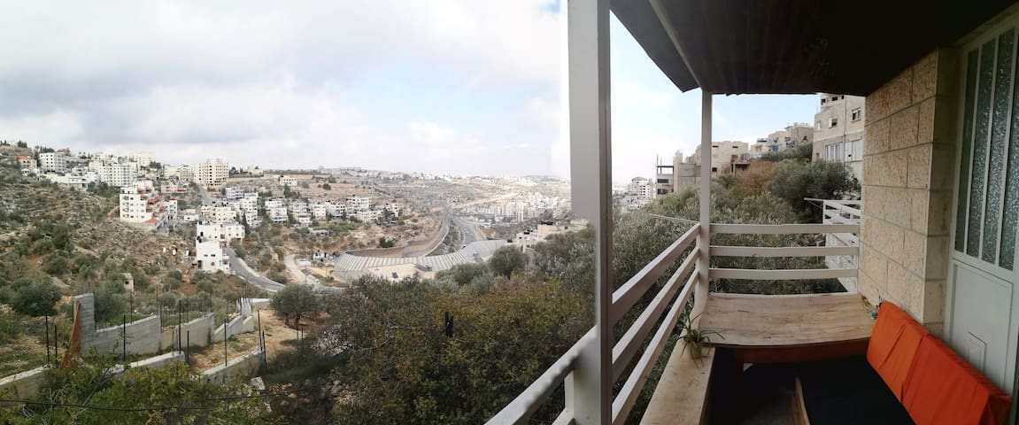 Valley View Apartment in Beit Jala